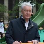 Мэр Москвы открыл на ВДНХ игровую площадку для детей с ограниченными возможностями