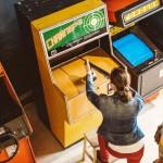 В Музее советских игровых автоматов обменяют 15 копеек на стакан газировки или игру в «Морской бой»