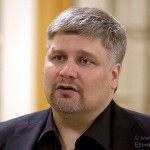 Дмитрий Сибирцев: «Нельзя взять певицу в театр по звонку»