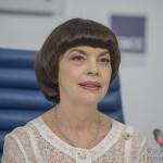 В Москву прилетела французская певица Мирей Матьё, чтобы открыть Фестиваль «Спасская башня»