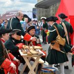 Средневековый университет, походный лагерь Наполеона и вечеринки в стиле «оттепели»: в Москве пройдет фестиваль истории «Времена и Эпохи»