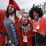 627 человек в карнавальных костюмах спустились на лыжах и сноубордах наBoogelWoogelв Сочи