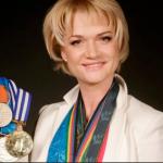 ДВАЖДЫ ОЛИМПИЙСКАЯ ЧЕМПИОНКА СВЕТЛАНА ХОРКИНА представляет всероссийскую благотворительную программу «ДОМИК ДЛЯ МАЛЫША»