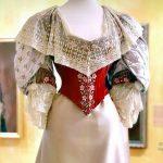 Придворный костюм середины XIX – начала ХХ века из собрания Государственного Эрмитажа