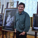 «В пространстве Юрия Бутусова»: фотовыставка к юбилею Мастера. 16+